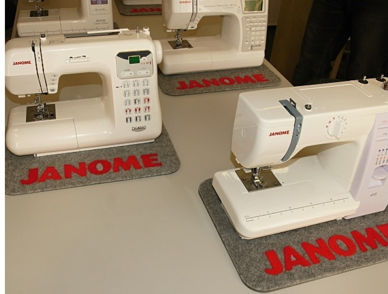 pogumovaná podložka Janome 301802002