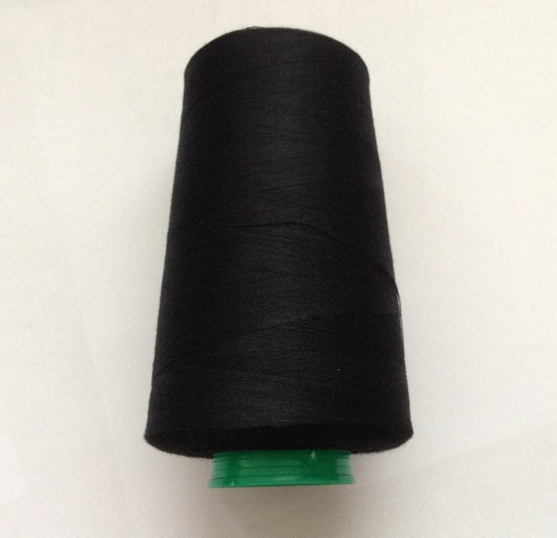 nit 100% PES-40/2-5000Yds-pro overlocky barva černá