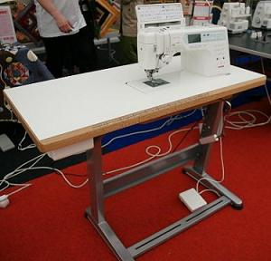 průmyslový šicí stůl Janome MC6600
