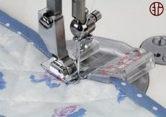 Lemovací patka pro našívání šikmým proužkem / nastavovatelnýšíře 5-20mm