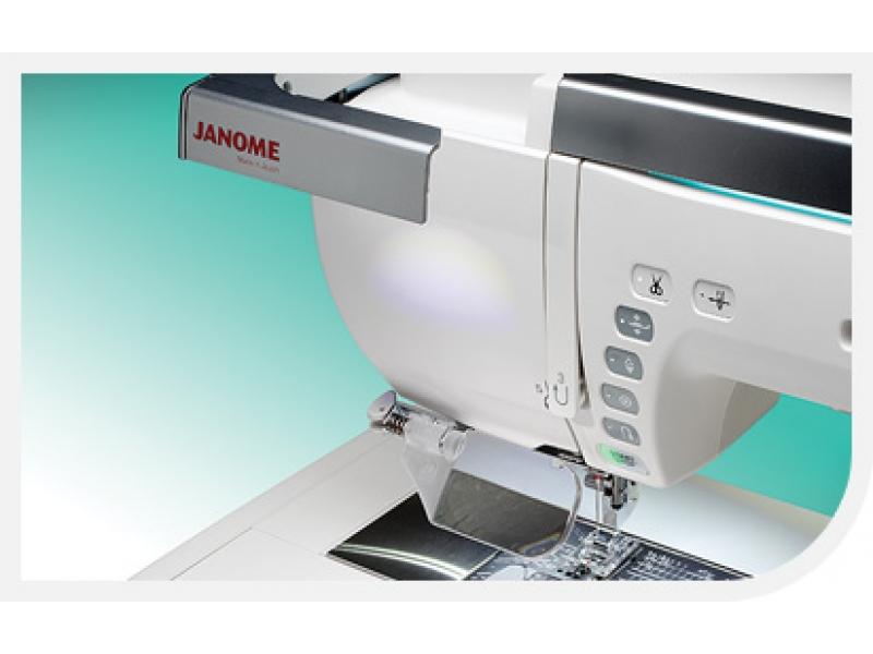 šicí a vyšívací stroj Janome Memory Craft 15000-3