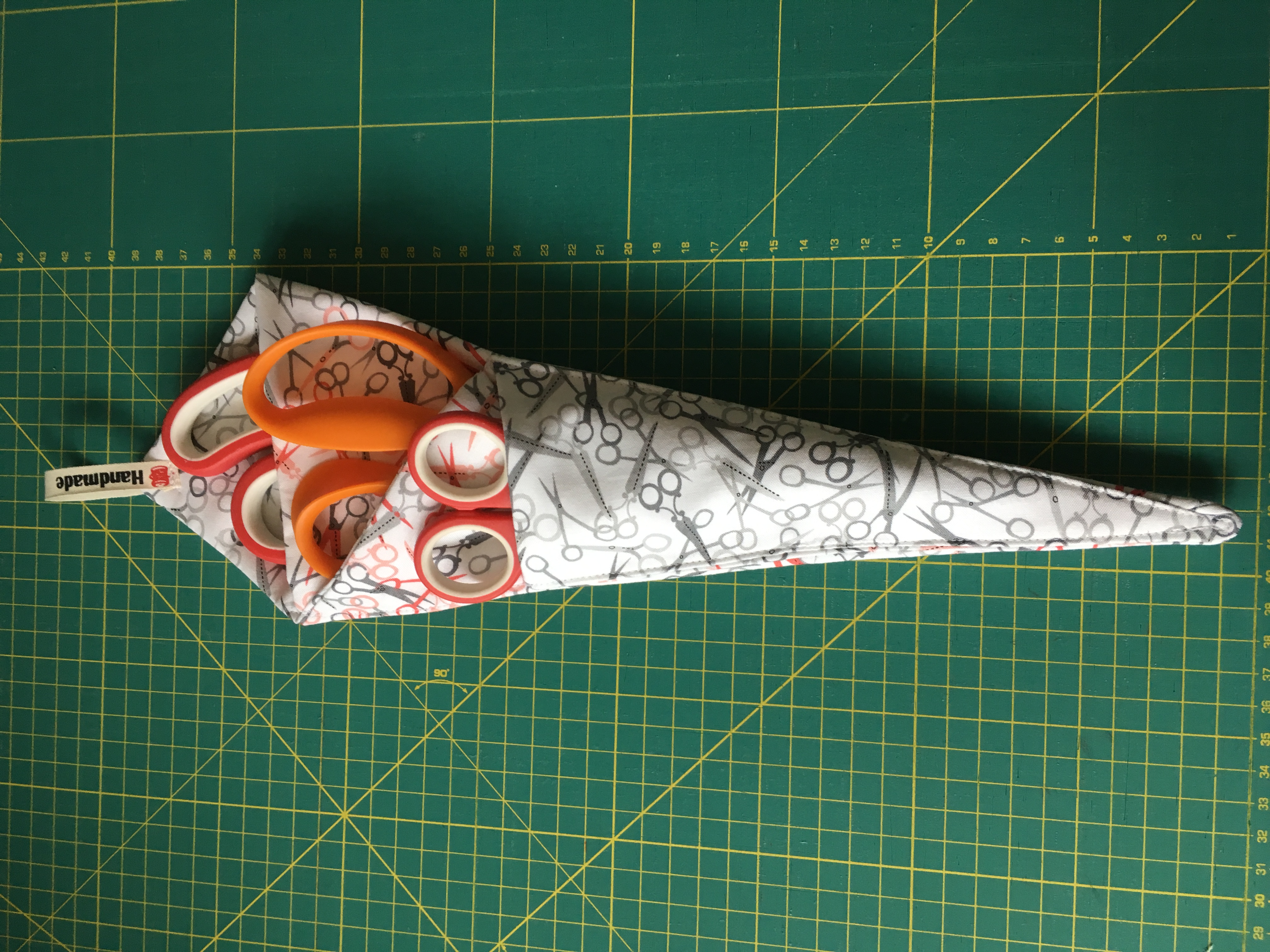 obal na nůžky,cca 38x12cm,látka 100%bavlna+výztuha100%PES,-1