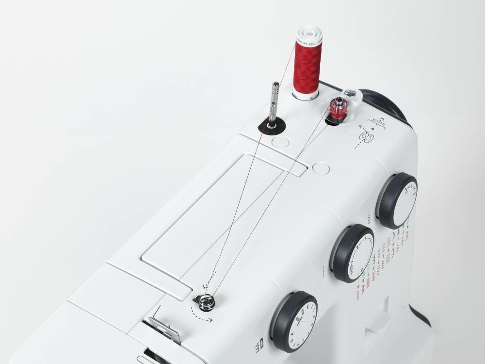 šicí stroj Bernette 35 + dárek-5