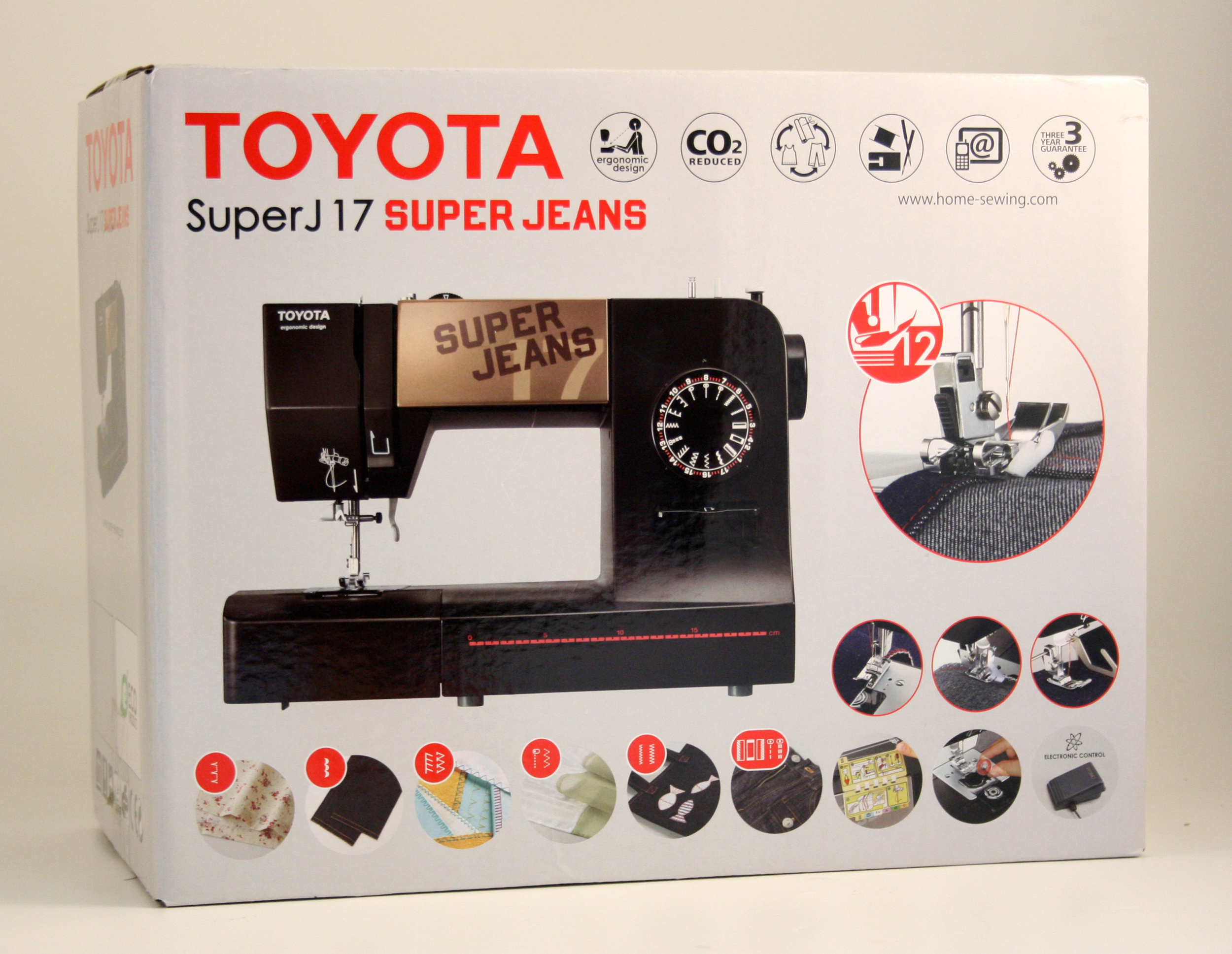 šicí stroj Toyota Super Jeans 17 černý-2