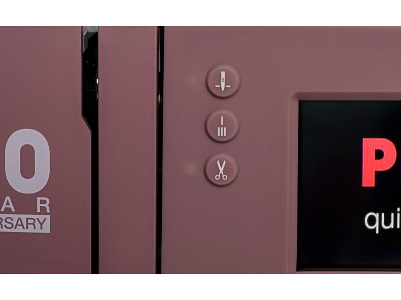 šicí stroj Pfaff Expression 4.0 Quilt-1