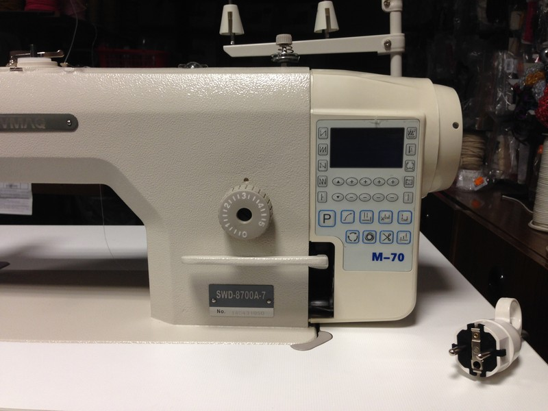 prům.stroj SEWMAQ SWD 8700A-7 se servomotorem M-70E v hlavě stroje.-2