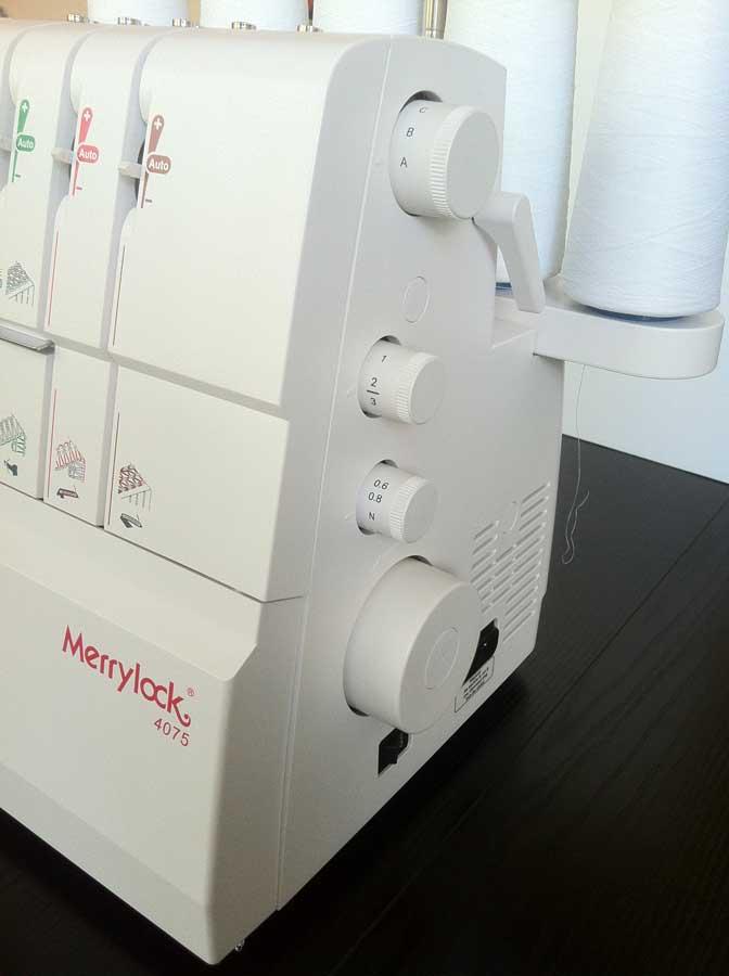 overlock a coverlock Merrylock MK 4075+ sada kvalitních jehel Organ ZDARMA-2