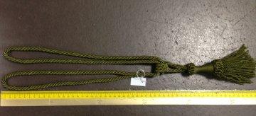 Ozdobná závěsová šňůra kroucená 55cm s úvazkem zelená