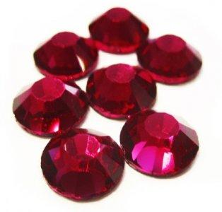 5mm nalep.kamínky broušené ruby = rubín