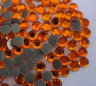 4mm nalepovací kameny broušené sun = oranžová