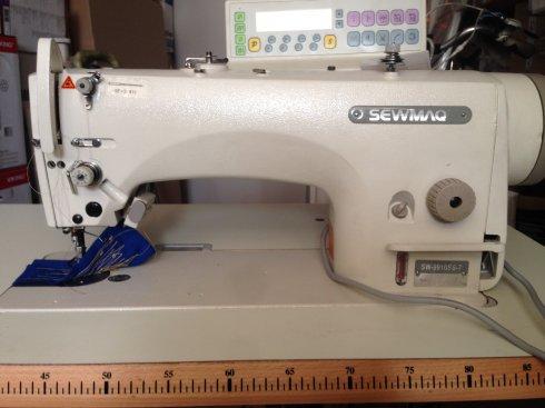 průmyslový stroj SEWMAQ SW 9910 SS-7-plně elektronický s jehelním podáváním