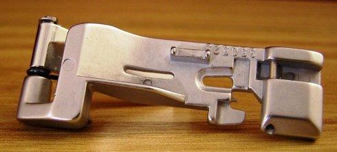 patka řasící 350523 pro overlocky Singer 14U a Pfaff 4860/4870