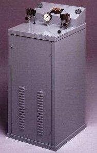 žehlící stůl MP-F s vyvíječem páry 7l/4kW a žehličkou-