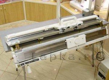 dvojlůžkový pletací stroj Novaknit-S DBZ-245-1 + DBL-245-3  s převěšovacími saněmi.-