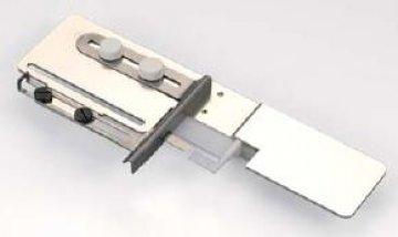 Zakladač pro obrubování velký pro Janome 1000 CPX