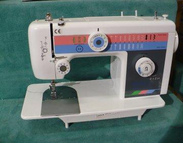 šicí stroj Famiglia 920A plochý