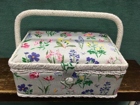 košík na šicí potřeby jarní zahrada S