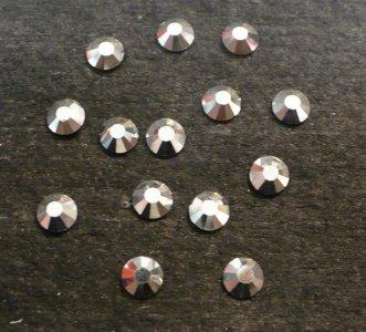 5mm kamínky 12ti hranné Labrador MC