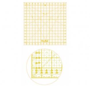 patchworkové pravítko 30x30cm žluté