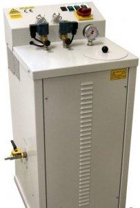 průmyslový vyvíječ páry na 7l Comel FB/F 6kW pro 3 žehličky